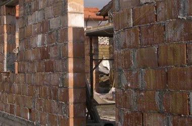 Niente prescrizione per gli abusi edilizi: la sentenza della Cassazione