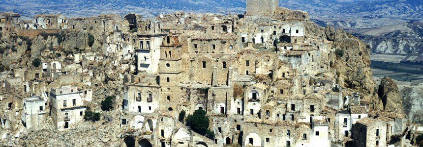 Il progetto di restauro architettonico di una città fantasma italiana