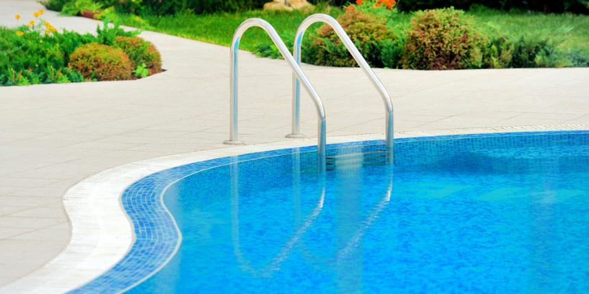 Come costruire una piscina con bordo a sfioro