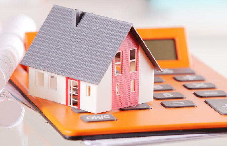 Come richiedere la qualifica REV sull'attività di un valutatore immobiliare?