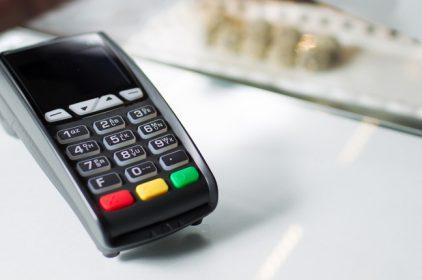 Obbligo bancomat: bene taglio commissioni, ma no sanzioni su imprese senza POS