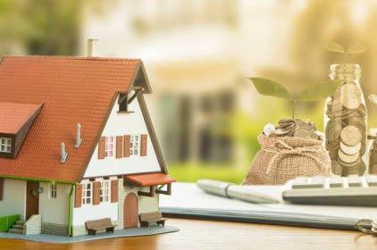 Basta alle banche che si trasformano in agenzie immobiliari