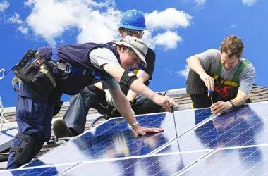 Autoproduzione di energia elettrica pulita: come il decreto Milleproroghe rischia di farla sparire