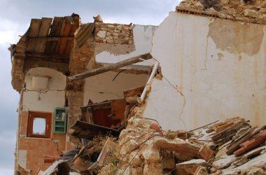 Quante sono le case a rischio sismico? Quanto costa mettere in sicurezza tutti gli edifici?