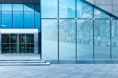 Glass to Power: il nuovo spin-off Bicocca per inserire pannelli fotovoltaici trasparenti in tutte le finestre di casa