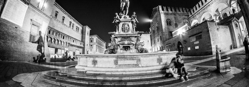Conclusi gli imponenti lavori di restauro della Fontana del Nettuno, impalcatura