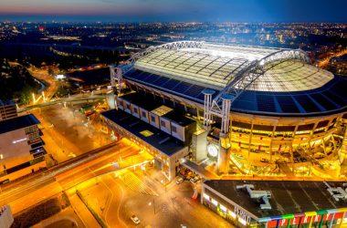 Nissan illumina la Johan Cruijff Arena con la mobilità elettrica: case study su energia rinnovabile