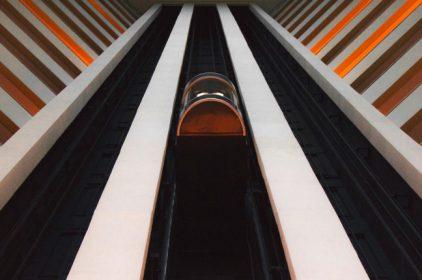 In Italia 525 milioni di euro l'anno spesi per la manutenzione ascensori: un parco ascensori vecchio e inaffidabile