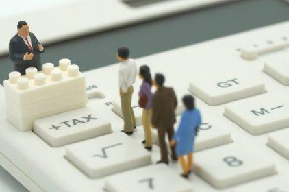 Abbiamo un FISCO BULIMICO: oltre 100 tasse, ma ne basterebbero 10