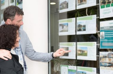 Immobili: Per comprare casa gli italiani si affidano agli AGENTI IMMOBILIARI