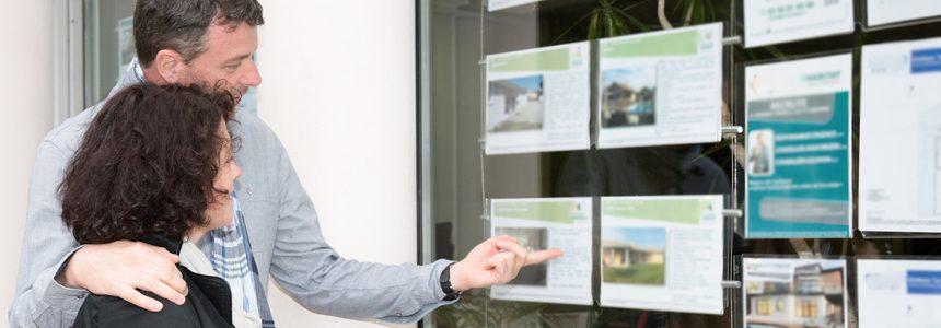 Per comprare casa gli italiani si affidano agli AGENTI IMMOBILIARI