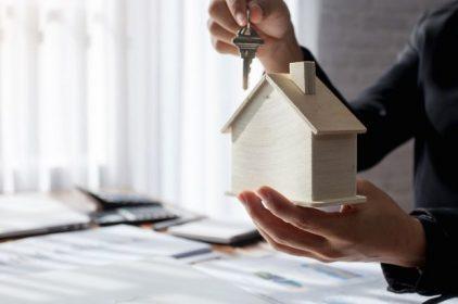 Homepal ha svolto intermediazione immobiliare senza avere i requisiti previsti dalla legge