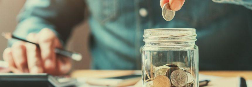 calcolatrice-mano-monete