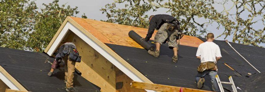tetto-legno-isolante-operai