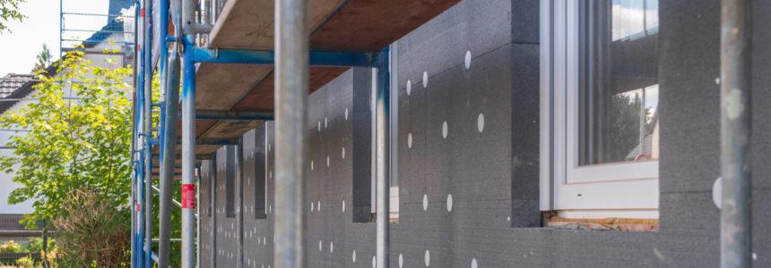 come eseguire una manutenzione ordinaria della facciata